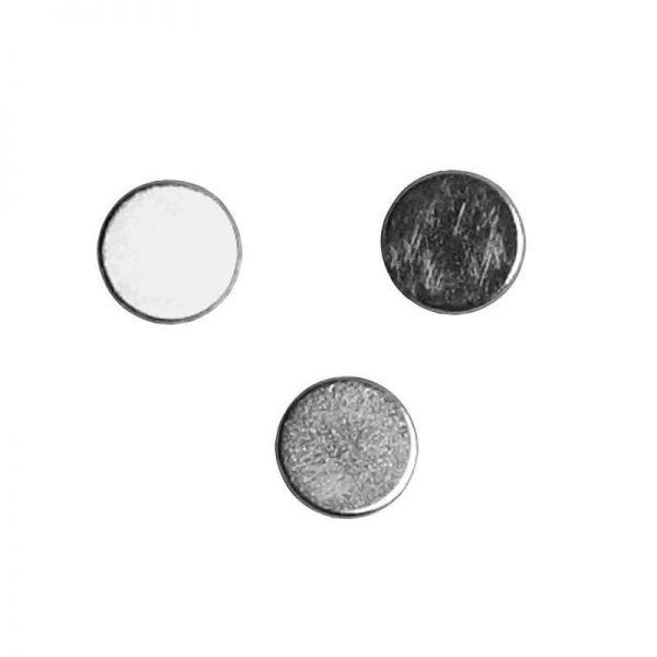 Magnetas 5mm skersmuo, 2mm storio.